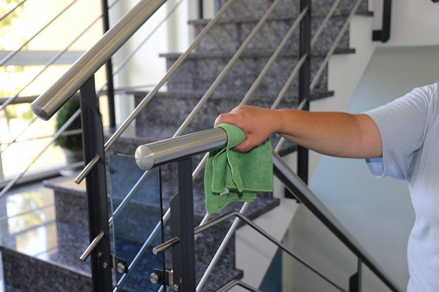 Smitterenhold, rengjøring og desinfisering på steder utenfor hjem